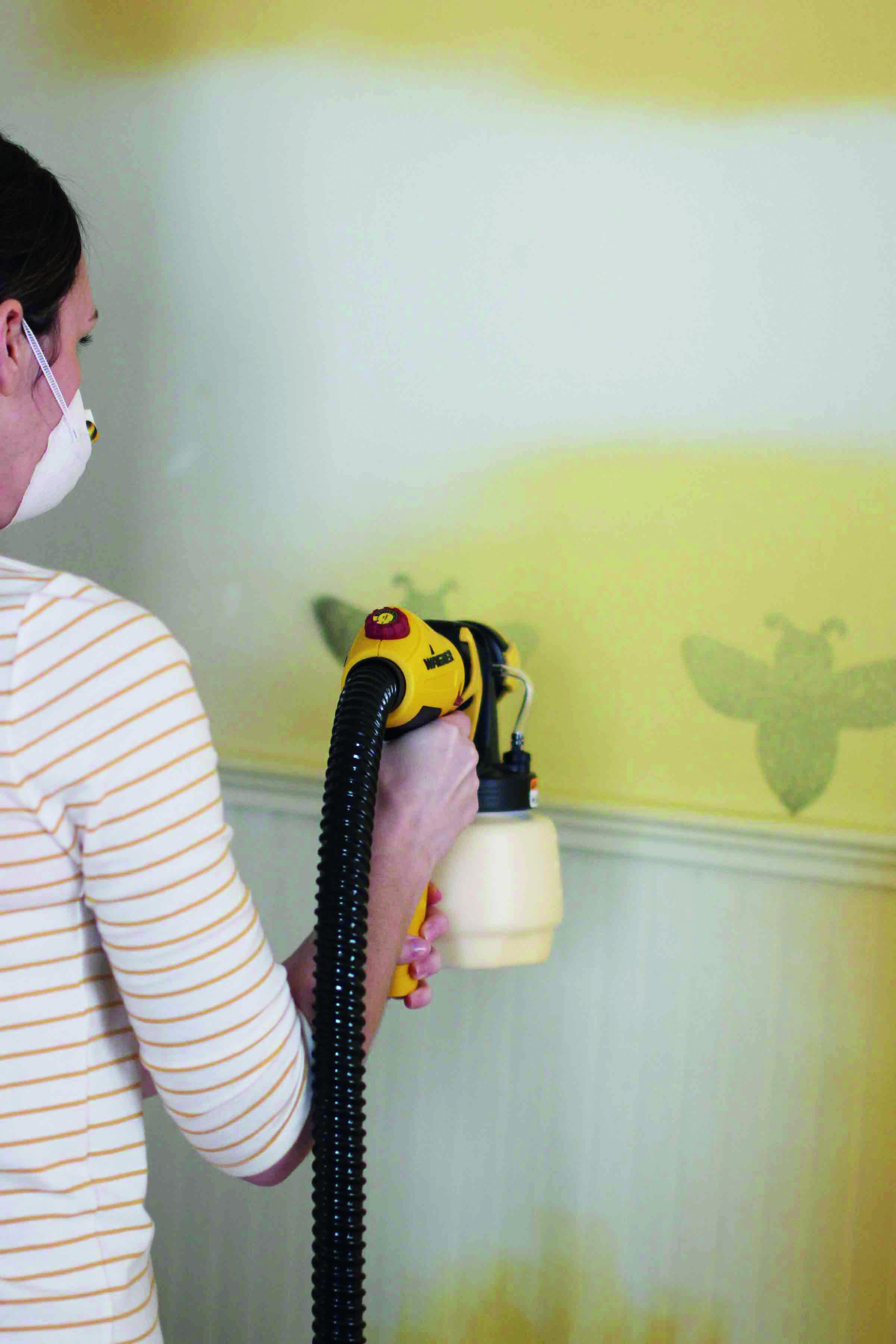 Wall spraying bee template
